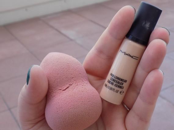 MAC Pro Longwear Concealer & Beauty Blender